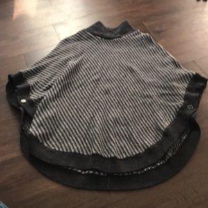 Banana Republic Black/Gray Sweater Poncho